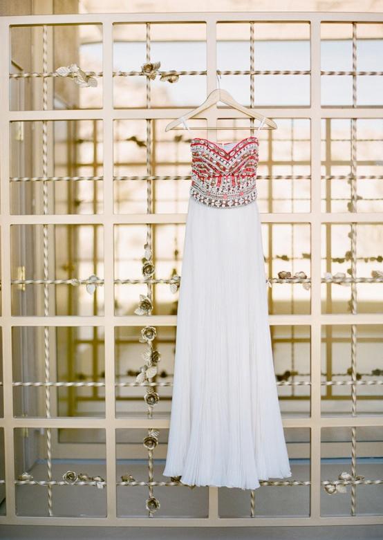 vestido-busto-bordado-noiva